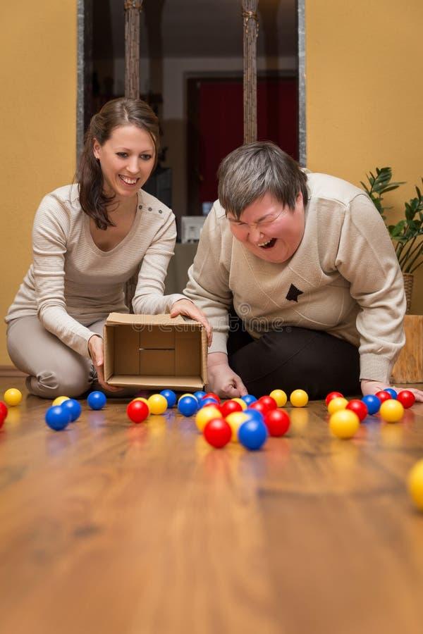 Смешное терапевтическое для a женщины умственно - неработающей стоковые фото