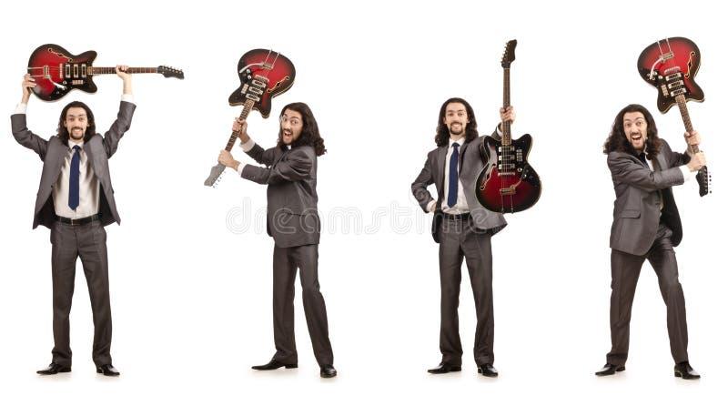 Смешной гитарист на белизне стоковые изображения rf