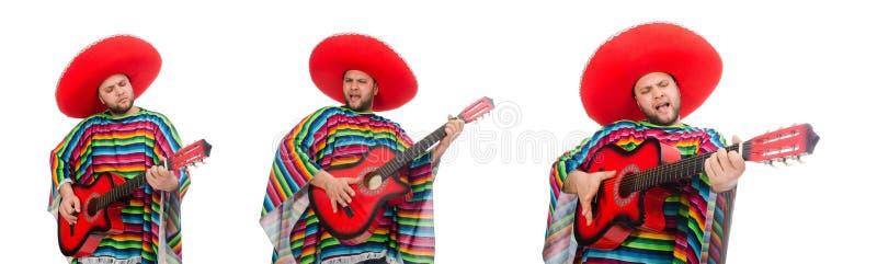 Смешной мексиканец с гитарой изолированной на белизне стоковые изображения