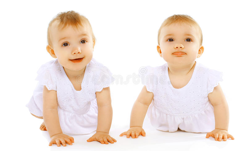 Смешной милый младенец близнецов стоковая фотография