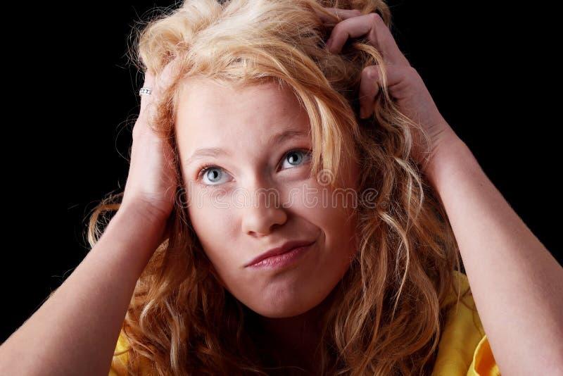 смешной портрет девушки предназначенный для подростков стоковые фото