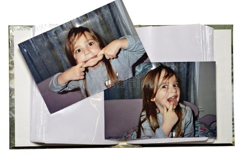 Смешной фотоальбом девушки стоковые изображения