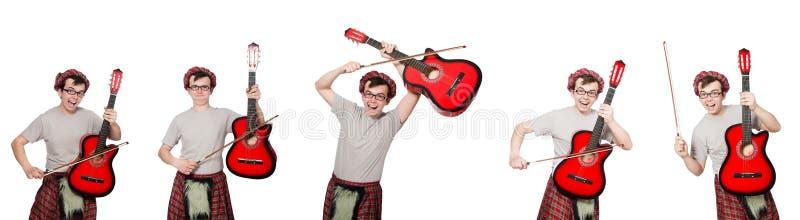 Смешной scotsman при музыкальный инструмент изолированный на белизне стоковая фотография rf