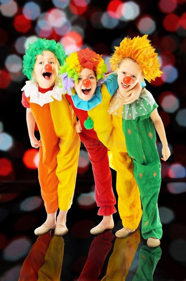 Смешные клоуны на партии стоковая фотография rf