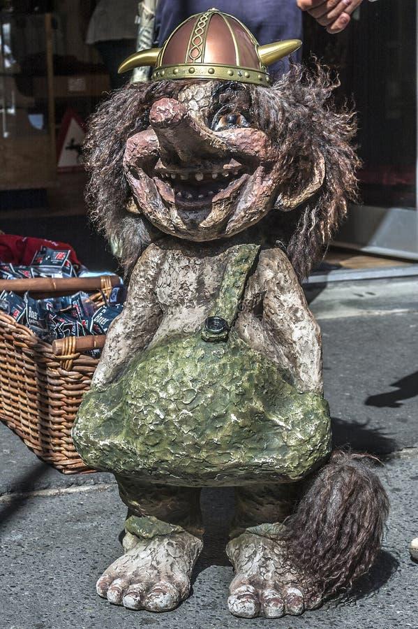 Смешные figurines троллей улицы Осло стоковое изображение rf