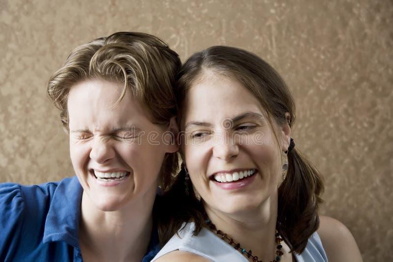 смеясь над женщины стоковые изображения rf