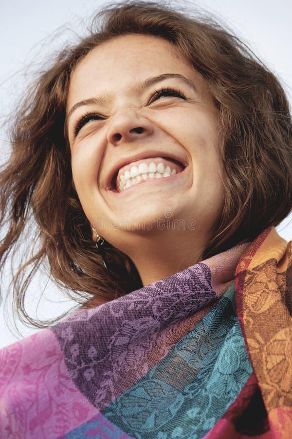 смеяться над девушки счастливый стоковое фото rf