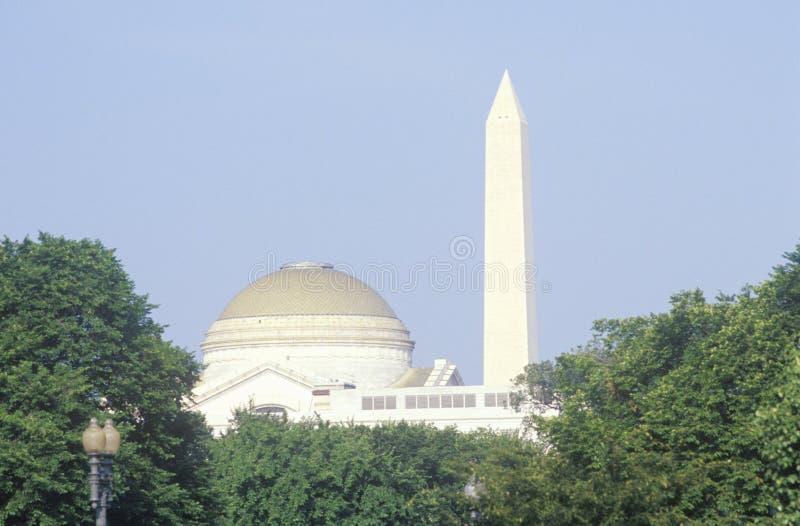 Смитсоновское заведение и национальный монумент Вашингтона, Вашингтон, d C стоковые фото