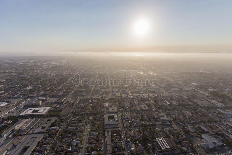 Смог воздушное Los Angeles County Калифорния лета стоковые фото