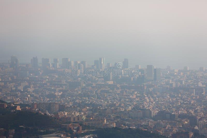 Смог над Барселоной стоковое фото