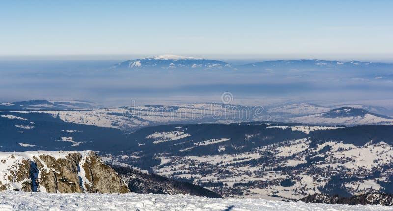 Смог увиденный от пика в Tatras стоковые изображения