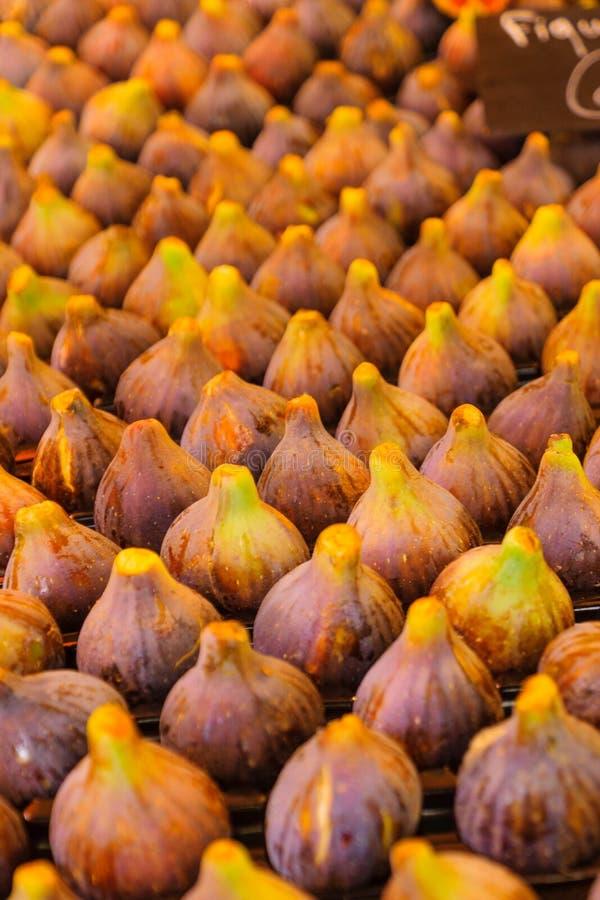Смоквы на продаже в французском рынке стоковая фотография rf