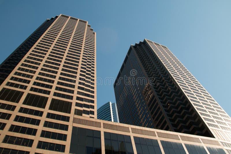 Смотреть вверх на городских зданиях небоскреба Чикаго стоковое фото