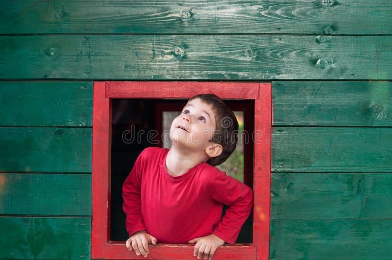 Смотреть вверх через окно стоковое фото rf