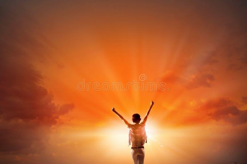 Смотреть на новый день стоковое изображение