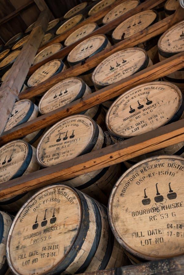 Смотреть шкафы Бурбона в складе запаса Woodford стоковые фотографии rf