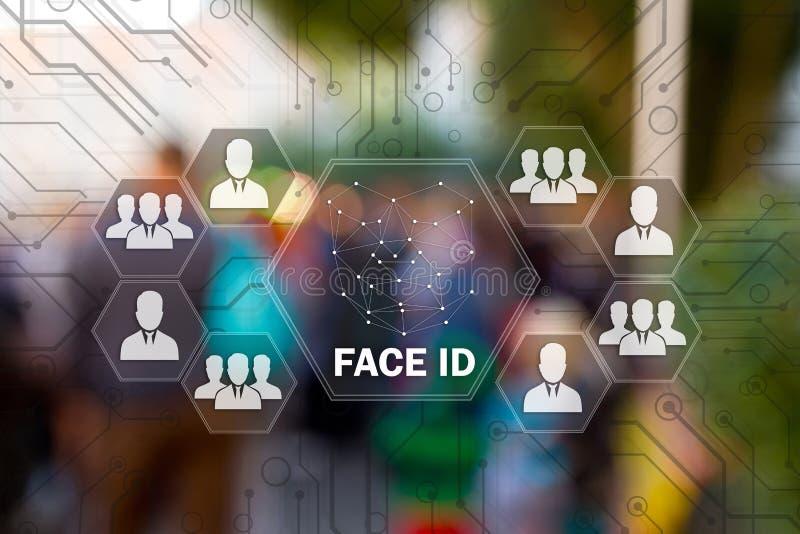 СМОТРИТЕ НА ИДЕНТИФИКАЦИЮ на экране касания для logon к сети, на предпосылке нерезкости людей Концепция скеннирования, лицевого r стоковое фото rf