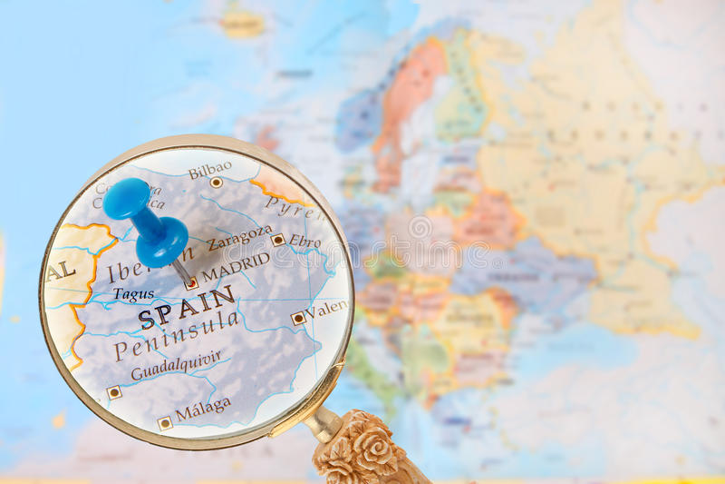 Смотрящ внутри на Мадриде, Испании стоковые изображения rf