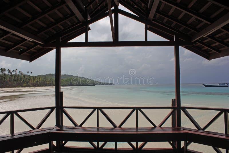 См. пляж от балкона стоковое фото