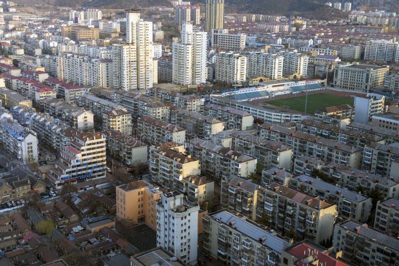 Снабжение жилищем квартиры вида с воздуха смешанное на Китае стоковые фото