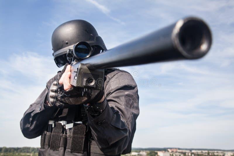 Снайпер полиции СВАТ стоковое фото