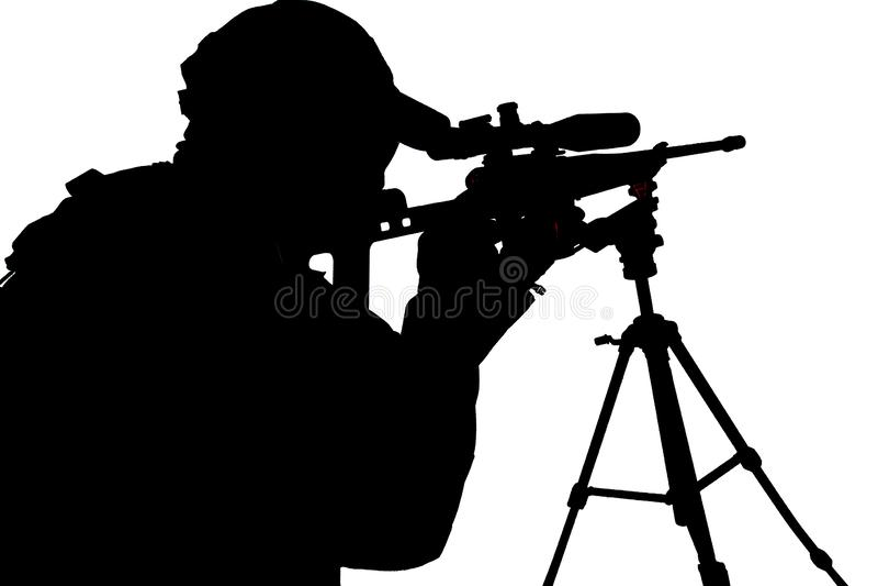 Снайпер СВАТ полиции направляя с всходом студии винтовки стоковое фото rf