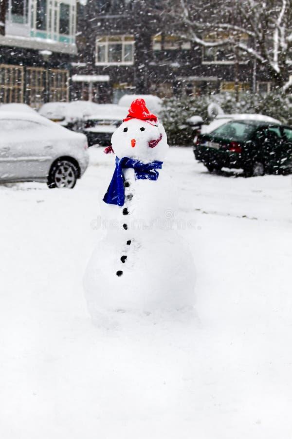 снеговик снежка города стоковое фото