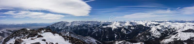 Снег покрыл взгляд зимы от Mt Ейль, горы Колорадо скалистые стоковые фотографии rf