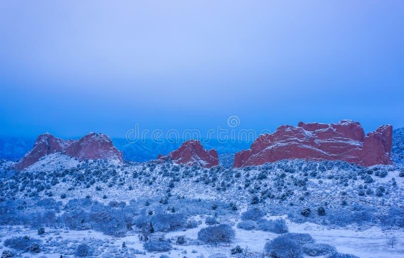 Снег покрыл сад богов стоковые изображения rf