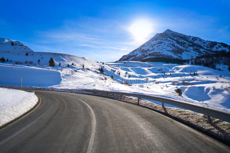 Снег Уэска Пиренеи Испания дороги снега Cerler стоковые изображения