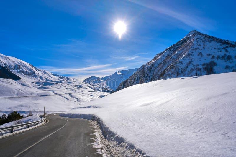Снег Уэска Пиренеи Испания дороги снега Cerler стоковая фотография