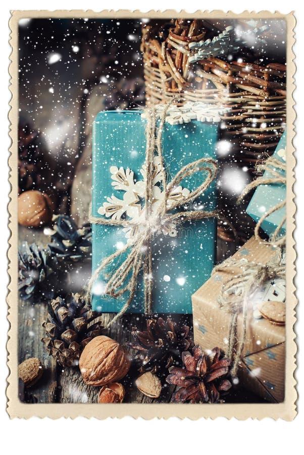 Снежинки голубой бумаги оформления коробок рамка уютной ретро стоковое изображение rf