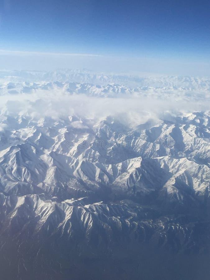 Снежок в горе стоковое изображение rf