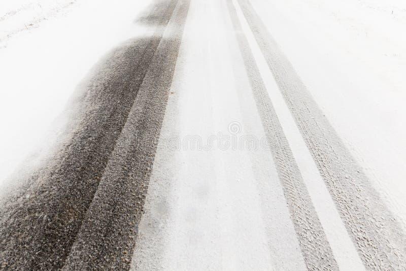 снежок дороги вниз стоковое изображение rf