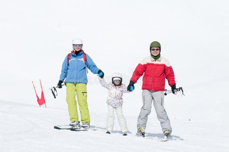снежок лыжи потехи семьи стоковые фото