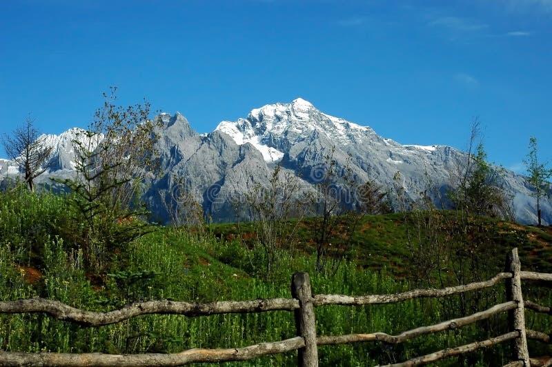 снежок mountain2 стоковая фотография rf