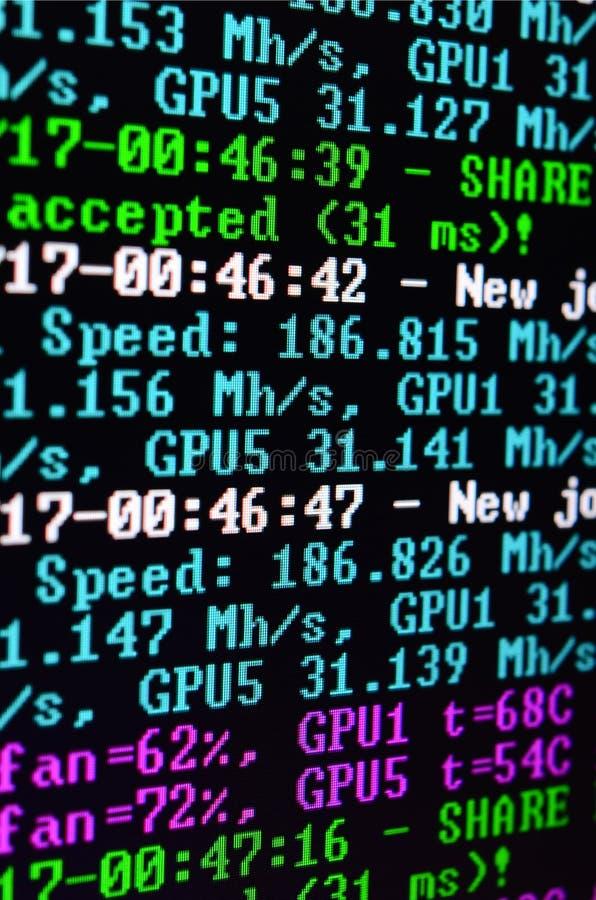 Снимок макроса интерфейса программы для секретного минирования валюты на мониторе компьютера офиса Концепция бита минирования стоковые изображения
