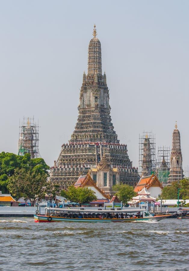 Сногсшибательная святыня Wat Arun Бангкока, Таиланда стоковое изображение