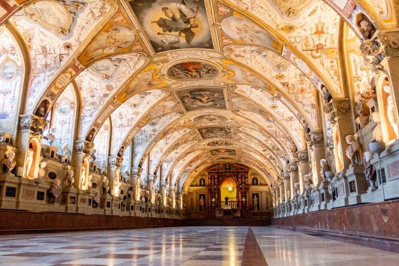 Сногсшибательное Antiquarium во дворце Residenz, Мюнхене, Германии стоковое изображение rf