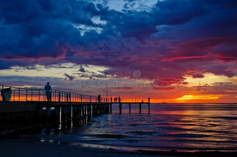 Сногсшибательный момент на пляже St Kilda стоковое изображение