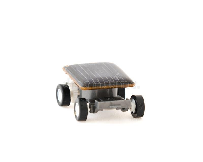 Снятая студией солнечная приведенная в действие игрушка автомобиля игрушки домодельная воспитательная стоковое изображение rf