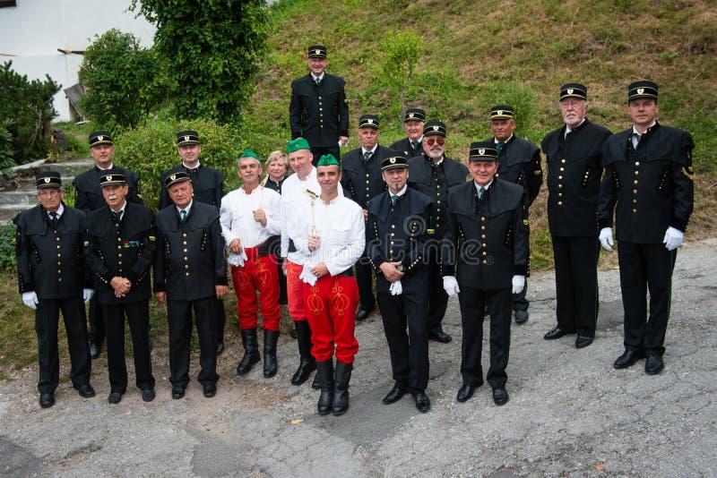 Соберите фото горнорабочих братства Herrengrund в Spania Dolina, Словакии стоковые изображения