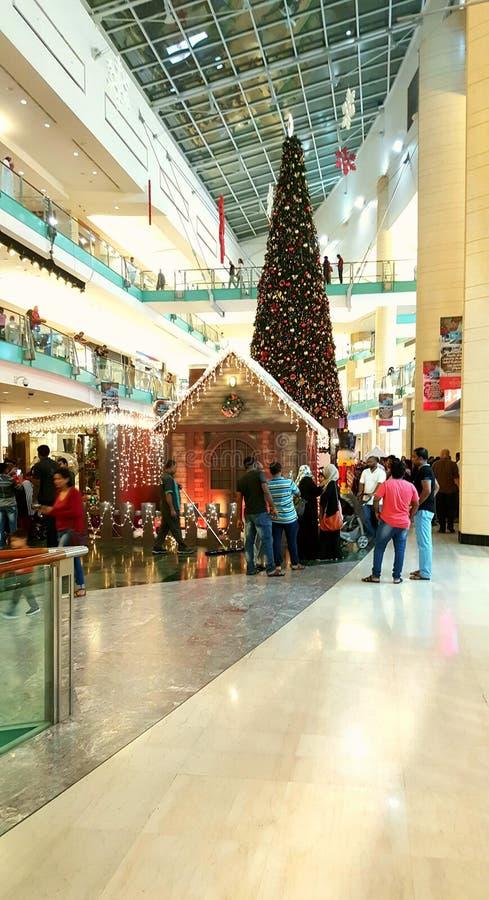 Собирать торжеств рождества мола стоковое изображение rf