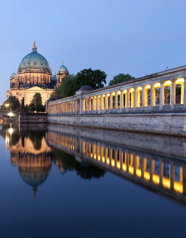 Собор Берлина (берлинец Dom) стоковые фотографии rf