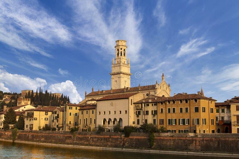 Собор Верона и Castel Сан Pietro - Италия стоковая фотография