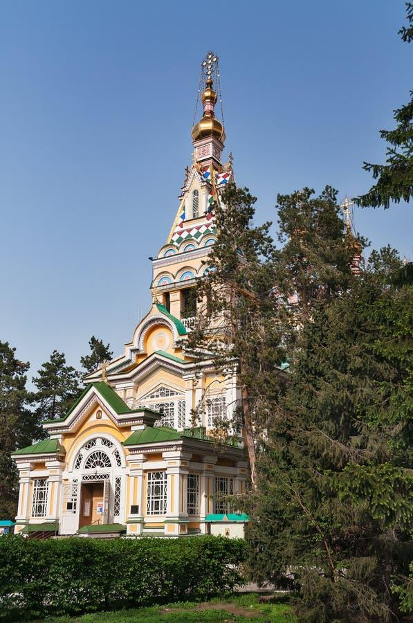 Собор восхождения в Алма-Ате стоковая фотография