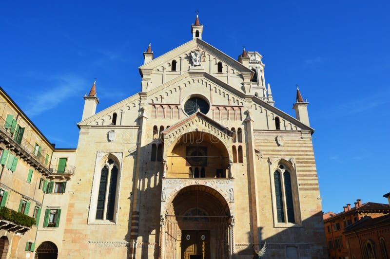 Собор в Вероне, Италии стоковое фото