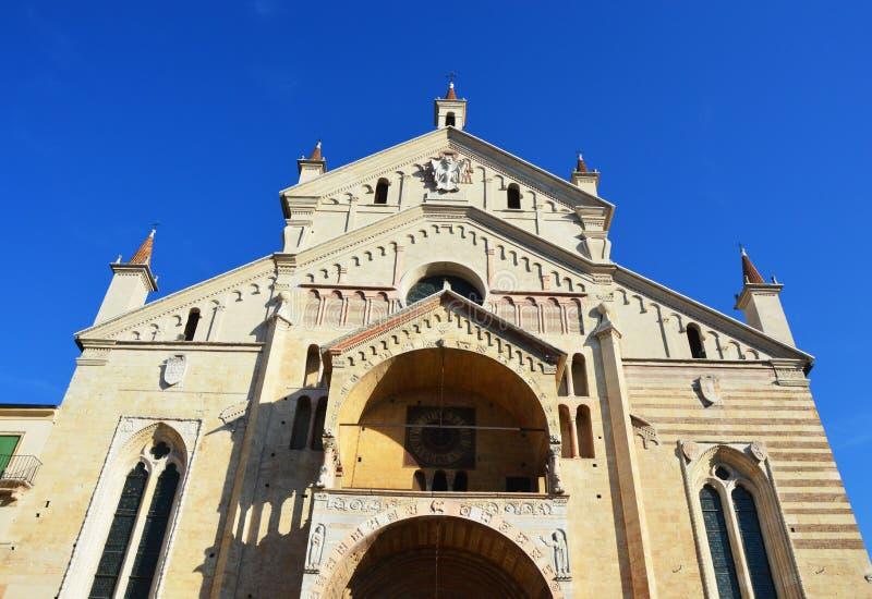 Собор в Вероне, Италии стоковая фотография rf