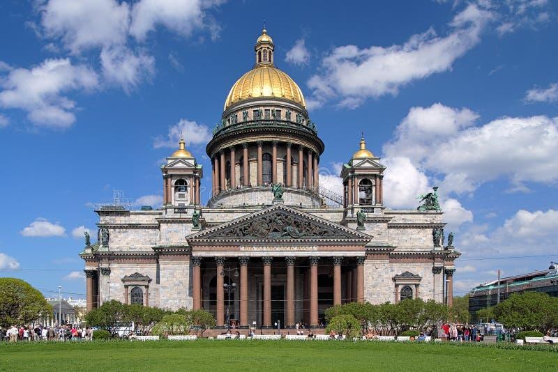 Собор в Санкт-Петербург, Россия Исаак святой стоковое фото rf