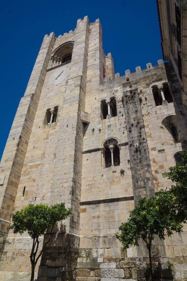 Собор здания Лиссабона каменного стоковые изображения